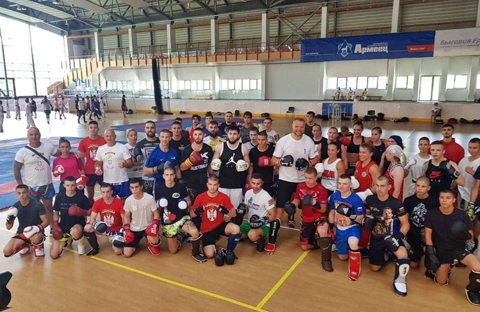 Srpski kik bokseri treniraju sa šampionima